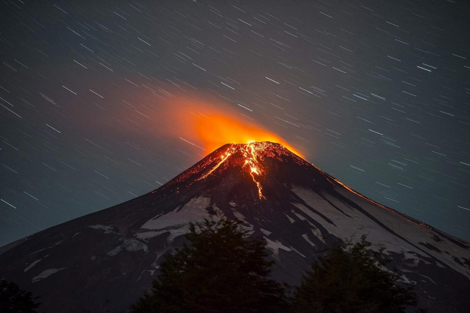 image.adapt.960.high.chile_volcano_01a