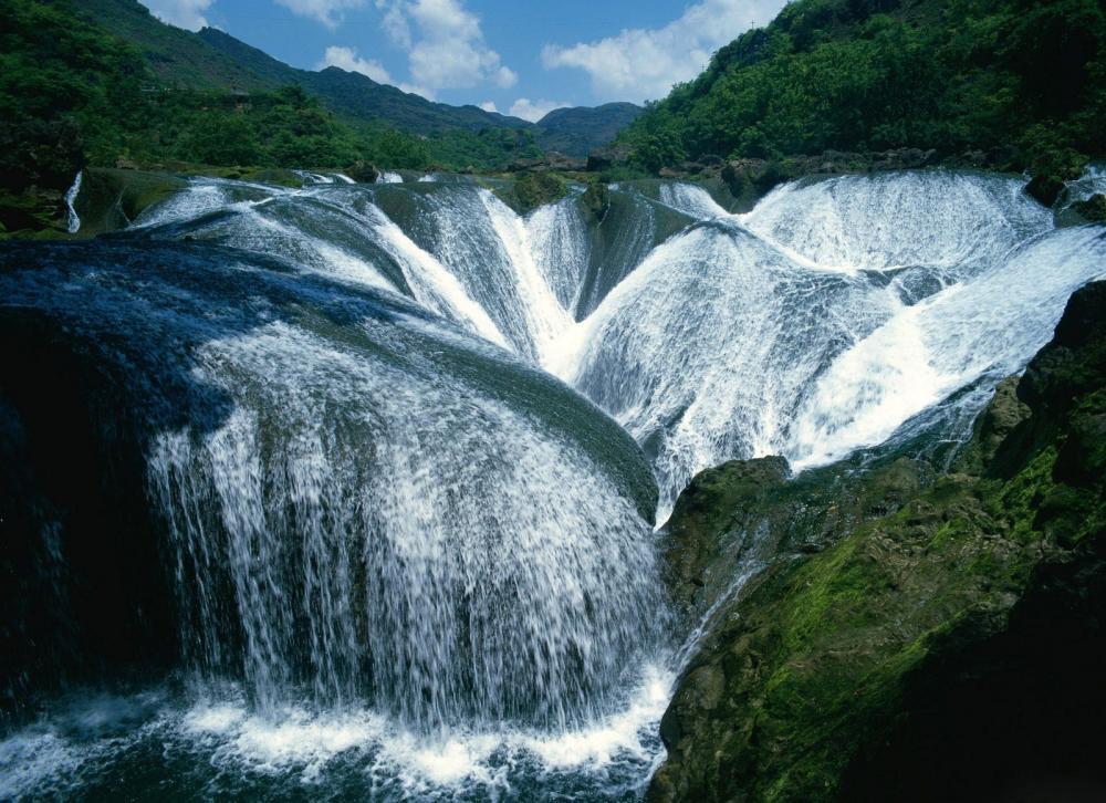 cabeahbfbccedi-incredible-waterfalls-around-the-world-7558