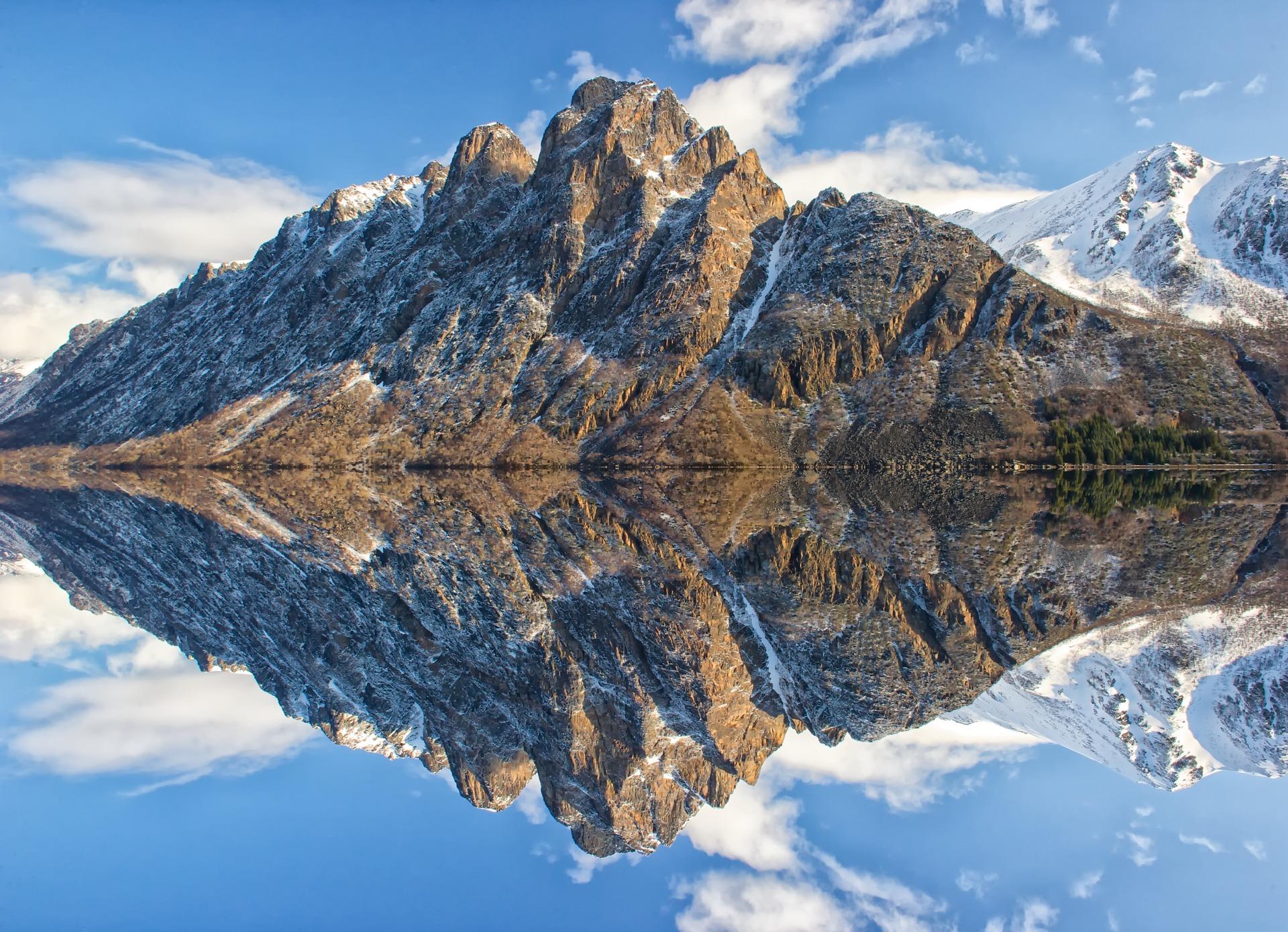 mountain-1624284_1920